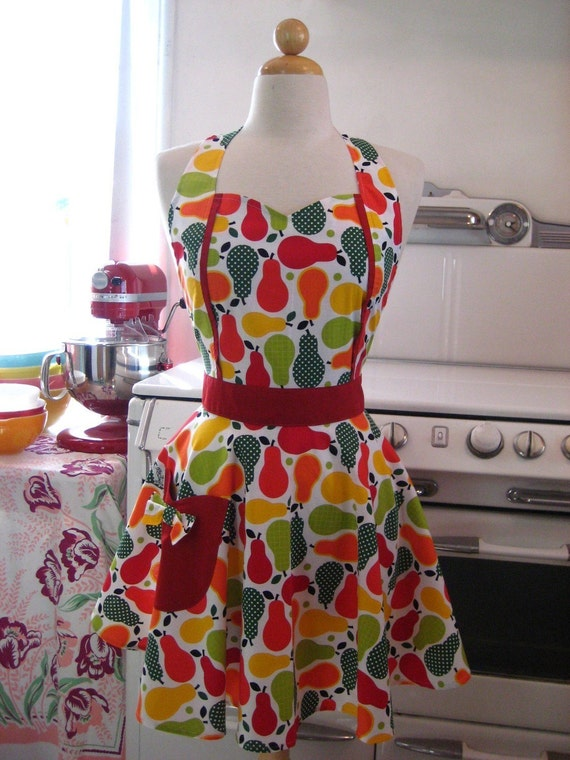 The MAGGIE Vintage Inspired Market Fresh Pears in Red Yellow and Green Full Apron