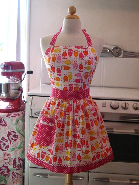 The CHLOE Vintage Inspired My Favorite Owls with Pink Full Apron