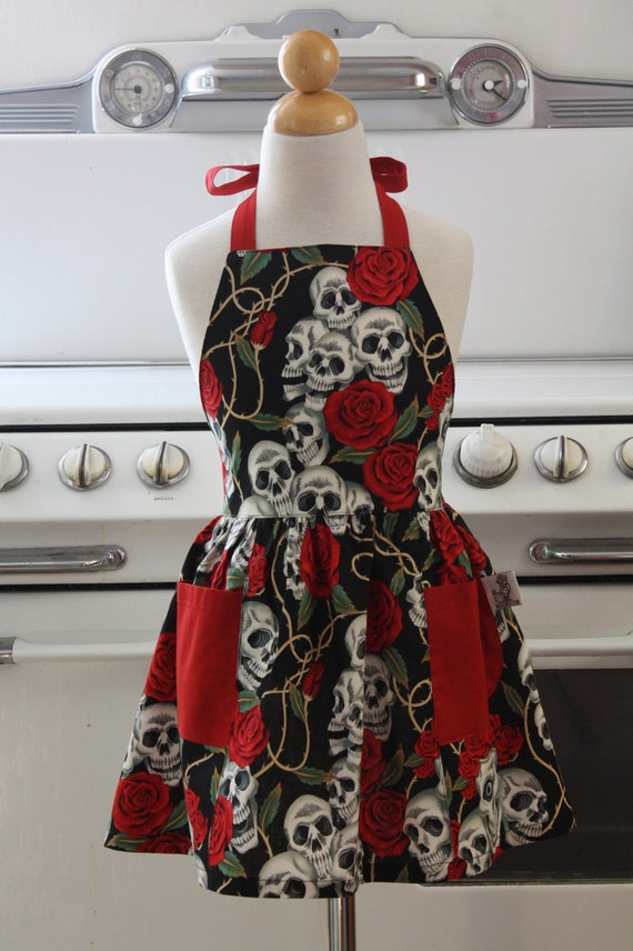Apron Retro Style Rose Tattoo Skull & Roses Full Apron for Little Girls