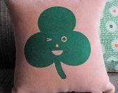 WINKY CLOVER pillow
