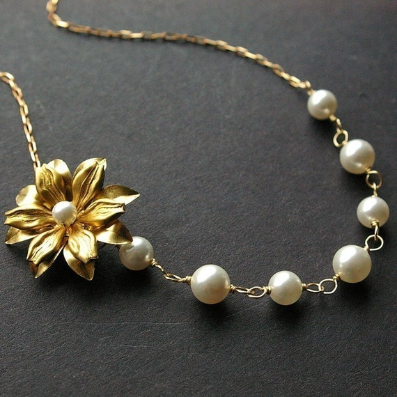 Gold Flower Necklace, Pearl Necklace, Vintage Gold Flowers, Pearl Wedding Necklace, Bridesmaids Necklace, Wedding Jewelry, SOFIA