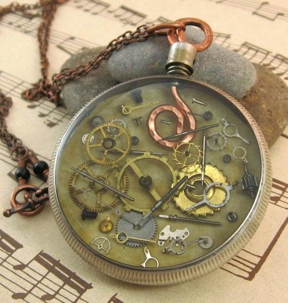 Timeless - Vintage Pocket Watch Necklace - Upcycled - Steampunk