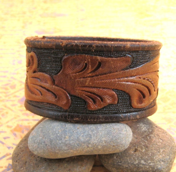 Brown  and Black Tooled Leather Wrist Belt - Upcycled - Small