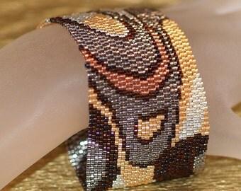 Modern Metals II ... Bracelet . Cuff . Peyote . Metallic . Glitz . Glam . Elegant . Mod . Abstract . Bronze . Copper . Steel . Silver . Gold