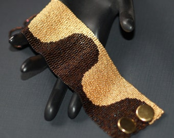 Diametric ... Beadwoven Bracelet . Peyote . Handmade . Dark Bronze . Yellow Gold . Bright . Contrasting Colors . Metallic . Elegant