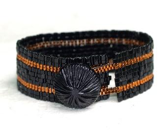 Copper Stripe in Ebony Band ... Peyote Bracelet . Vintage Button . Narrow . Shiny . Gorgeous . Metallic . Simple . Modern . Elegant