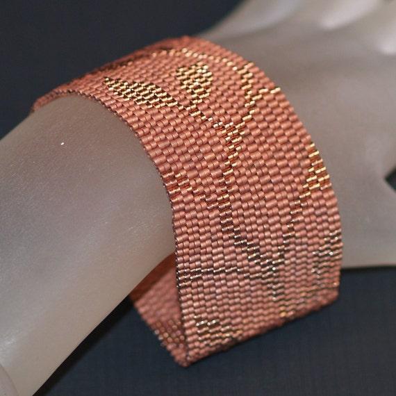Copper Vine ... Peyote Bracelet . Beadwoven Cuff . Leaves . Leafy . Metallic . Subtle . Monochromatic . Beautiful . Handmade