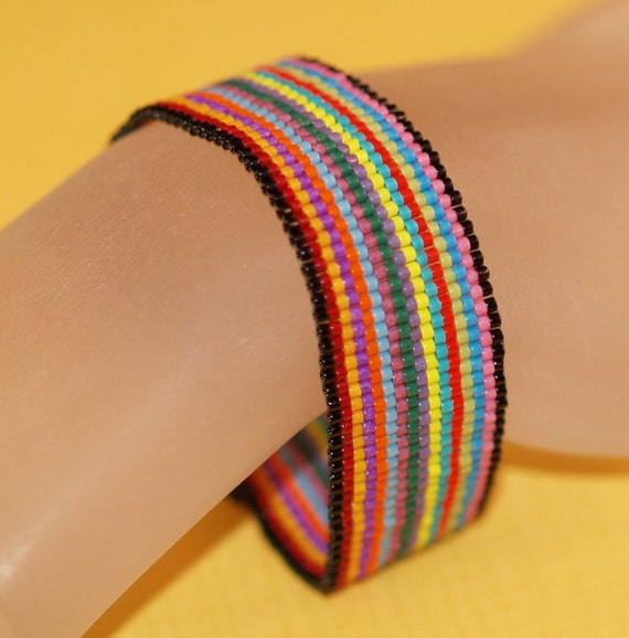 Fiesta Stripe ... Peyote Bracelet . Beadweaving . Colorful . Multicolor . Festive . Rainbow . Simple . Chic . Opaque Beads