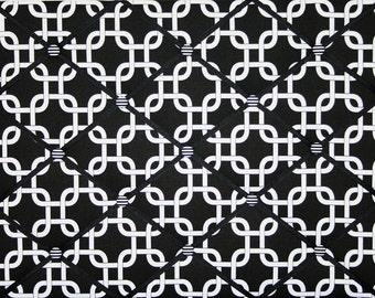 Contemporary Black White Chain Link Design French Ribbon Memo Board