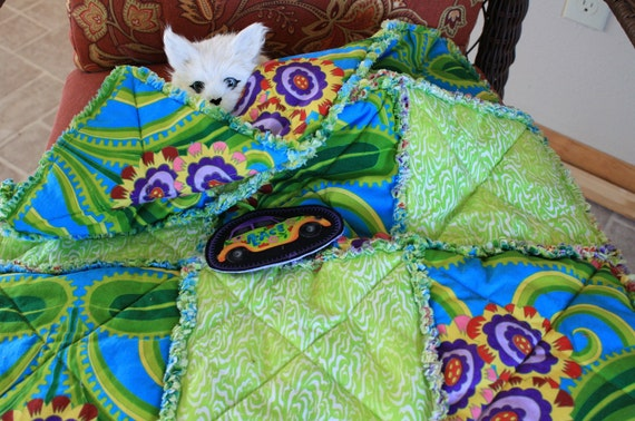 ON SALE--Cat Blanket with Green Squiggles