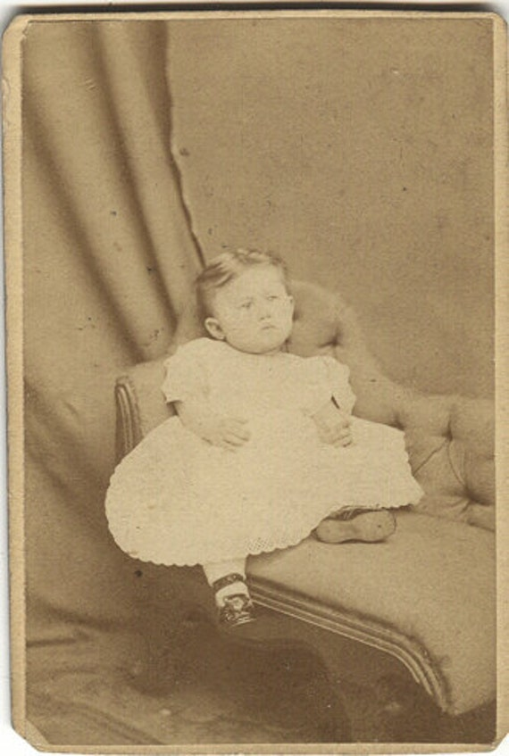 Child on tiny chaise cdv