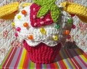Strawberry Cupcake Wristlet -- PDF Crochet PATTERN --