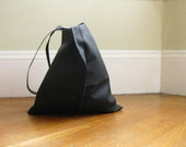 13in Wedge tote - Matte Black leather