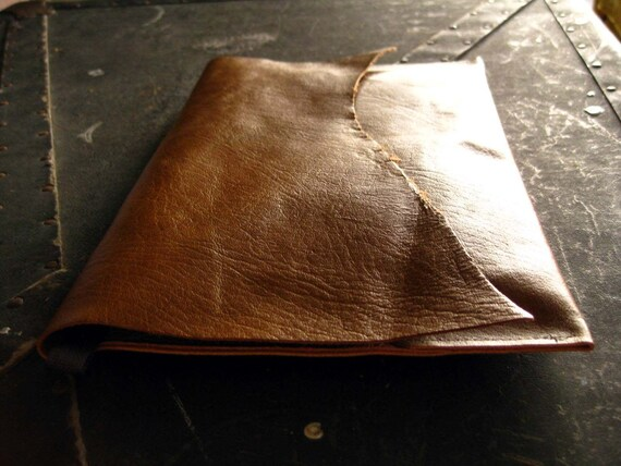 Maple - raw leather clutch