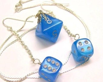 D8 Necklace and D6 Earrings Ensemble in Pearly Blue for Femme Gamers