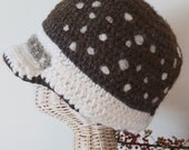 Wool brim hat with fawn back dots