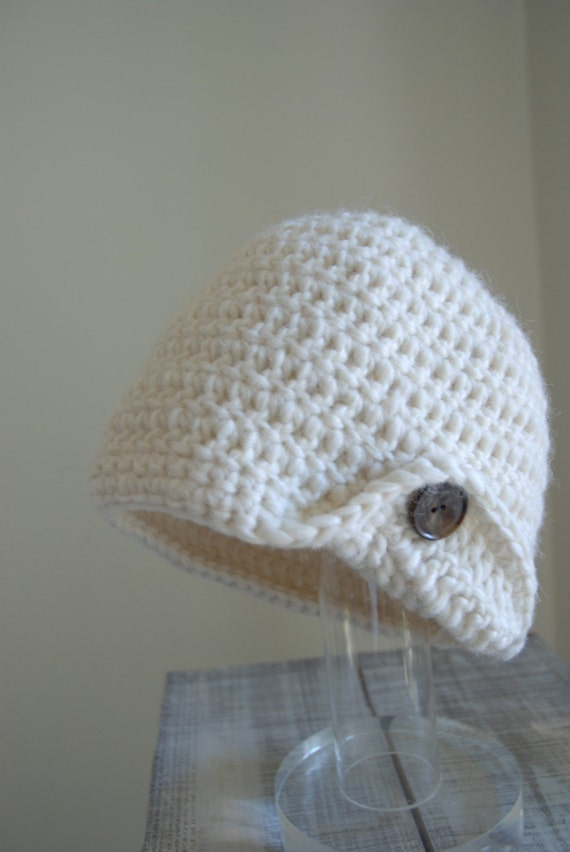 Chapeau Blanc - Pure wool toque with one flip and button