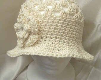 Cotton Hand Crochet Flapper 1920s Cloche Vintage Style Hat, Ecru with Flower