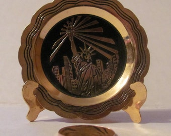 Miniature Statue of Liberty Plate