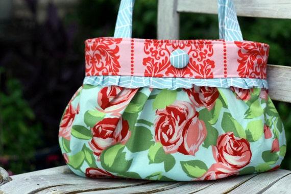 Short and Sassy Pleated Handbag PDF Sewing Pattern