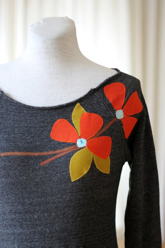 LAST ONE Spring Poppies Scoopneck Sweatshirt, Charcoal Gray, LARGE