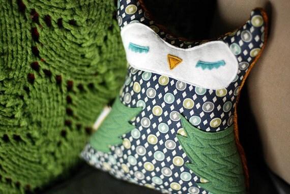 Blue-Green Dot Print Stuffed Horned Owl Pal