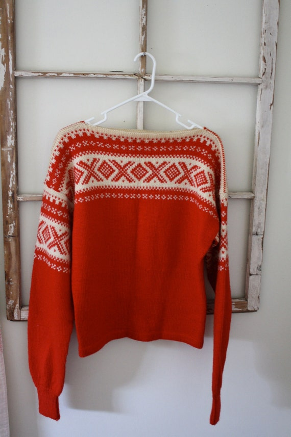 Vintage Knit red and White Sweater-Skiing Beauty