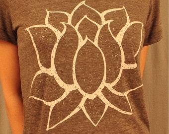 Lotus womens T