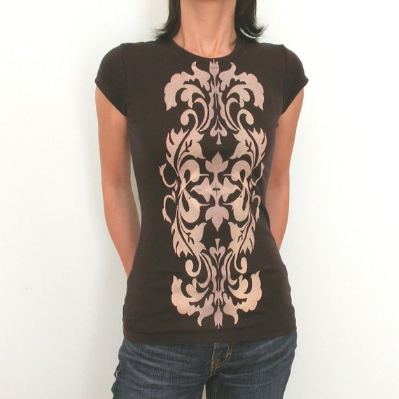 Royal Vase victorian style decorative womens T only M
