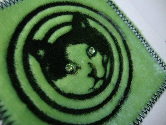 HYPNO KITTY Fun Blank Greeting Cards (Set of 2) Green Velvet Embossed with Swarovski Crystal Eyes