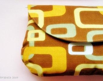 Caramel Cubes Maxi Clutch
