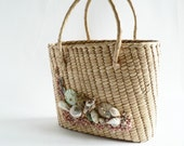 Womens vintage Straw Seashell Purse, 1950s  Resort-wear