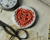 Alice heart lace  button.....she is a sew on button