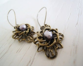 Romantic Victorian Inspired Earrings with a touch of Mauve