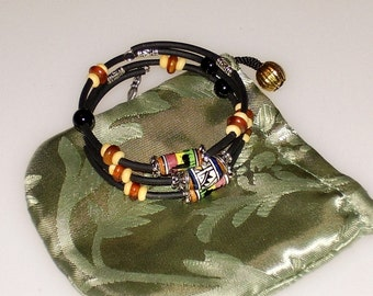 Great Guatemalan Hand Painted Clay Beads, Horn and Bone Triple Bangle Bracelet