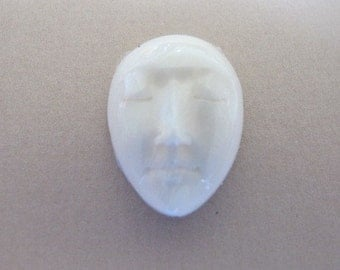 MS 19 x 15mm Oval  Bone Face (1) Closed Eyes Bali Fair Trade