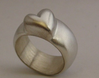 Chunky Heart Ring