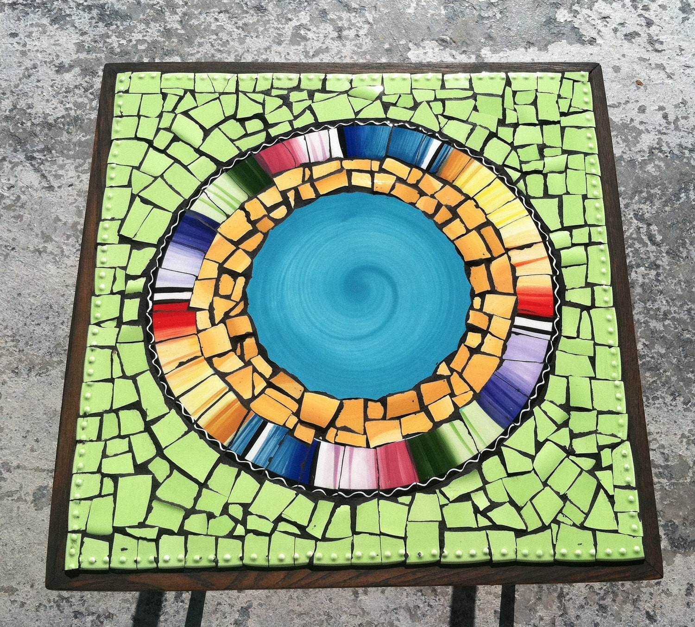 Mosaic tile art retro modern round end table broken plate art for Mosaic tiles for craft