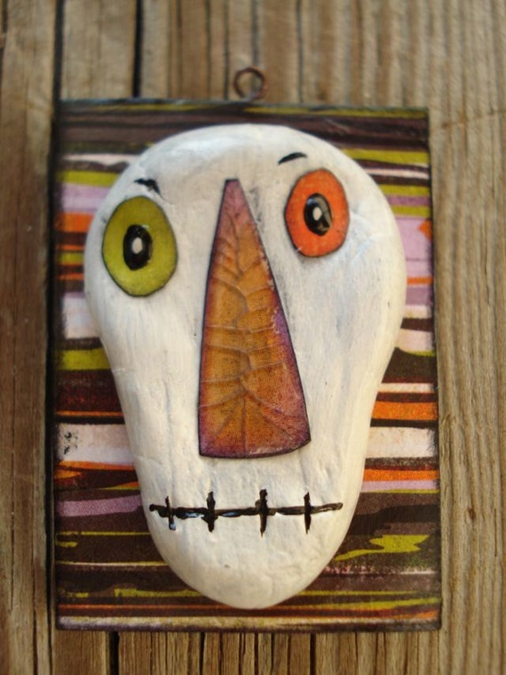 haLLowEen dAy of the deAd sKeLLy and stRiPes oRnaMent