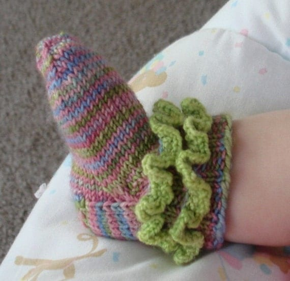 Knitted Sock Patterns On Circular Needles : How To Knit Baby Booties With Circular Needles