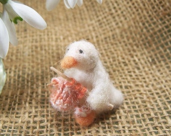 little knitting Duck