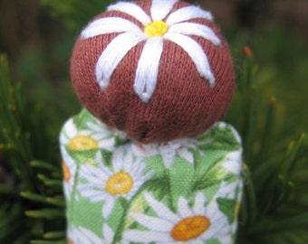 Daisy a mini doll
