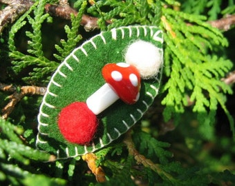 Toadstool Pouch with Child sized Barrette
