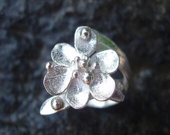 Francie Flower Ring