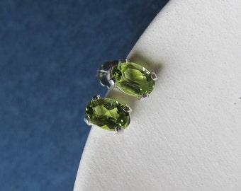 Penelope earrings - peridot & sterling silver