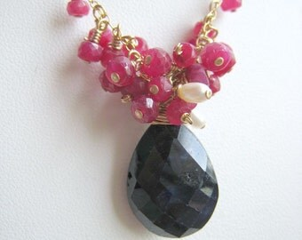 COUTURE Vivante - blue sapphire, ruby, freshwater rice pearls and goldfilled necklace