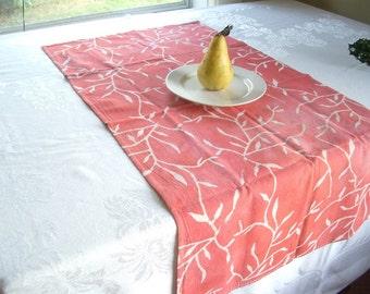 floursack towel. mottled rose red vines