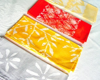lunch napkin set. gray, golds and red
