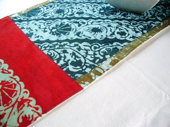 slate blue and red organic table runner