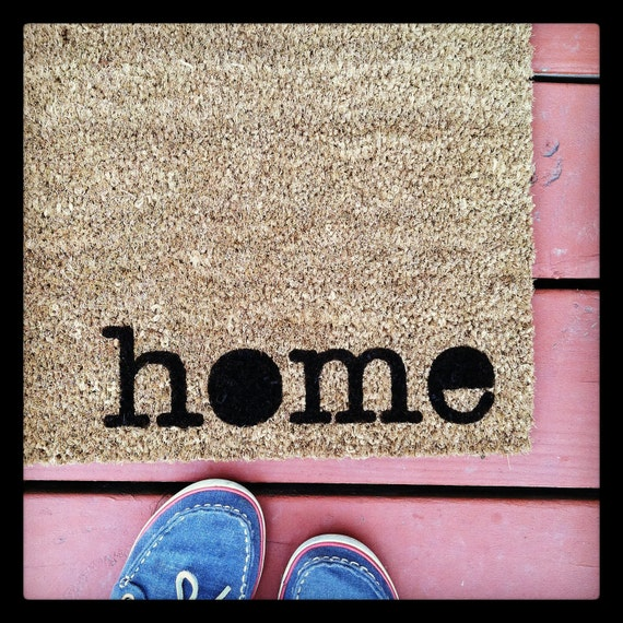 La Petite Maison - Natural Coir Fiber Modern Tagged Outdoor Recycled Welcome Mat